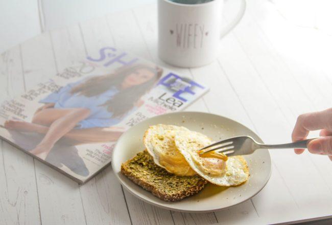 over-easy-eggs-and-pesto